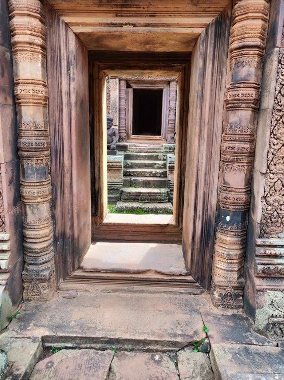 Banteay Srei - Entrances